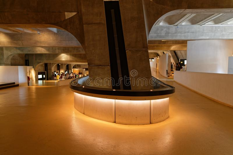 Внутренняя архитектура римского музея Лиона стоковое фото