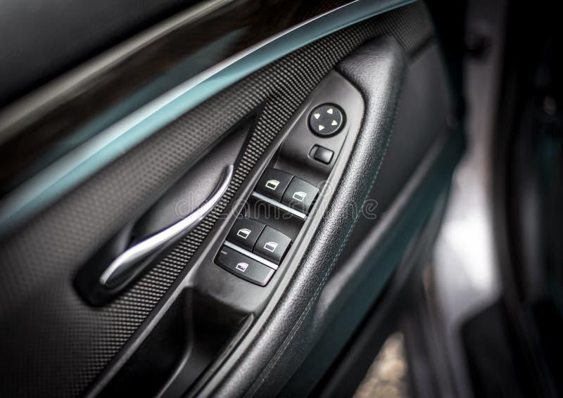 Внутренняя дверь BMW стоковые фотографии rf