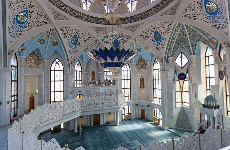 Внутренняя мечеть Qol Sharif в Казани стоковые изображения