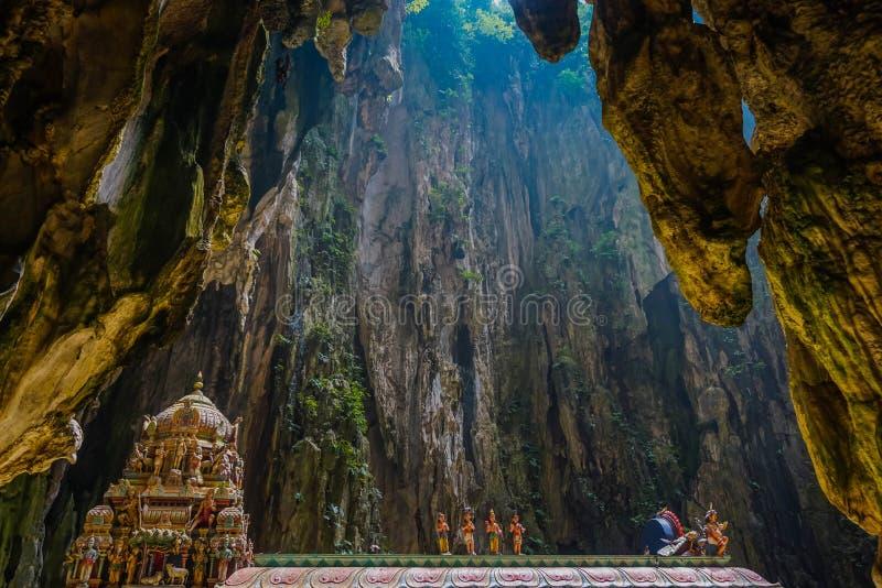 Внутренняя пещера Batu в Куалае-Лумпур Малайзия стоковые фотографии rf