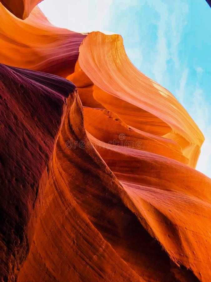 Внутренняя съемка более низкого каньона антилопы стоковая фотография
