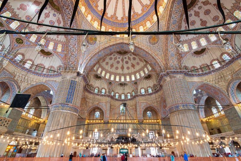 Внутренняя съемка мечети мечети Ahmed султана голубой, Стамбула, Турции стоковое фото