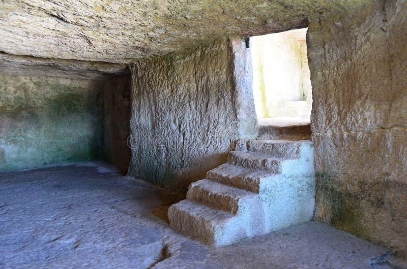 Внутренняя Chufut-листовая капуста - старая крепость пещеры, Крым стоковое фото
