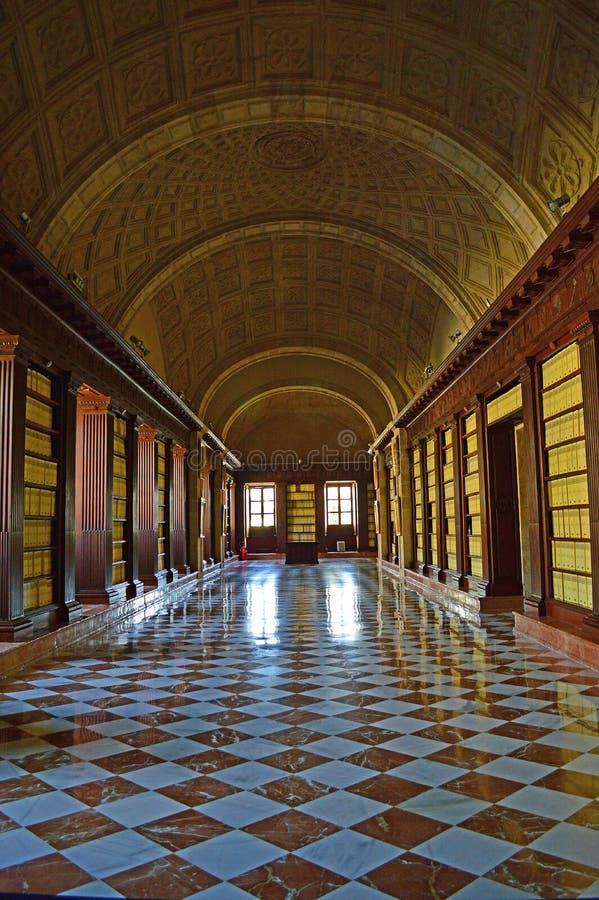Внутренн del Archivo de Indias Севилья стоковая фотография rf