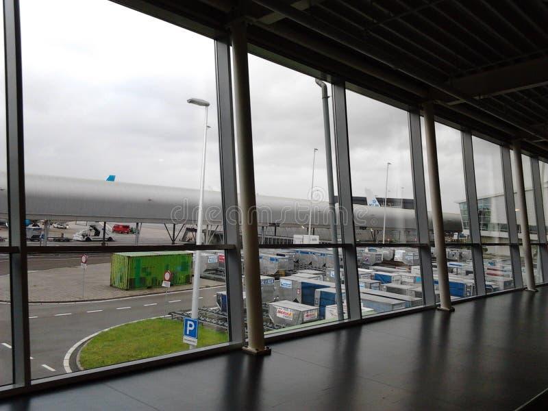 Внутри авиапорта Shiphol стоковые фотографии rf