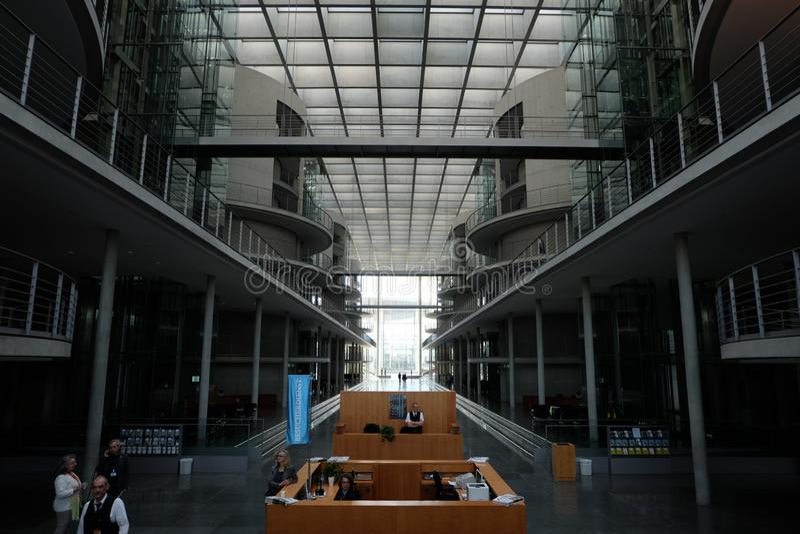 Внутри вестибюля Германского Бундестага стоковые изображения rf