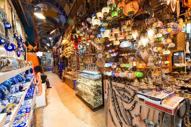 Внутри грандиозного базара в Стамбуле, Турция стоковое фото