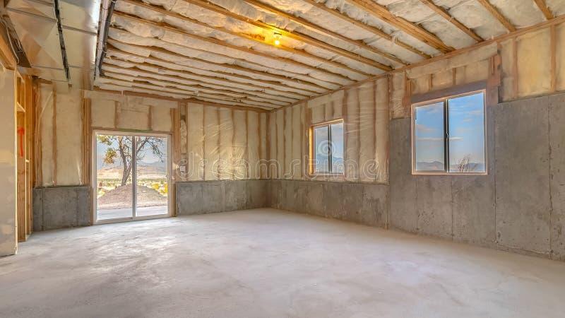 Внутри дома-строения готовы к засорению стоковые изображения rf