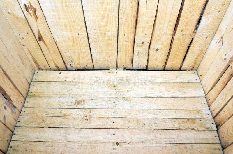 Внутри деревянной коробки стоковые фото