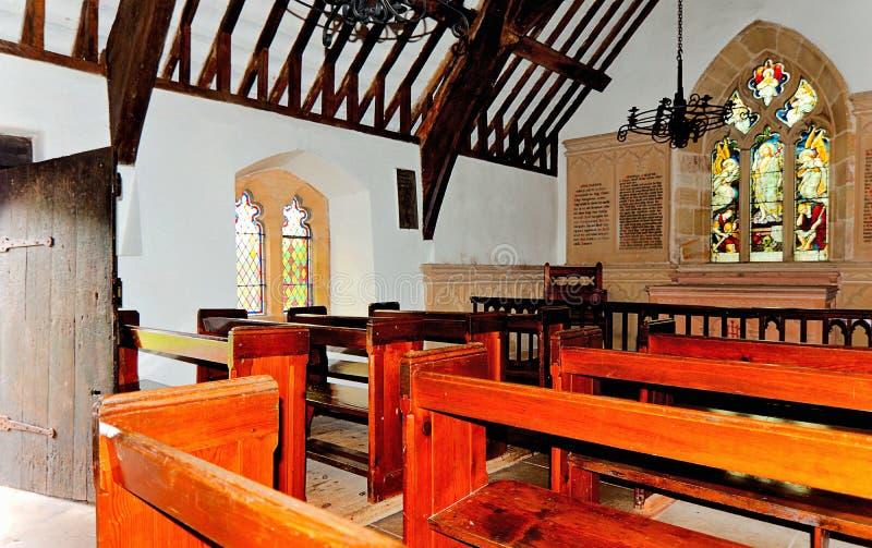 Внутри острова Menai церков St Tysilio Anglesey северного Уэльс стоковые изображения