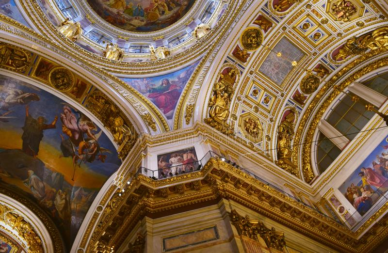 Внутри собора St Исаак или музея собора St Исаак в Санкт-Петербурге стоковое изображение rf