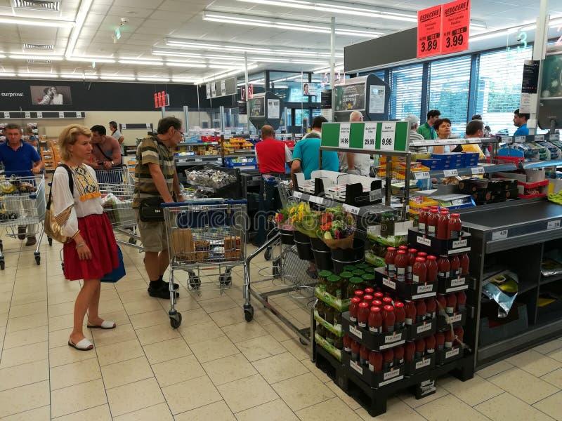 Внутри супермаркета Lidl стоковое фото