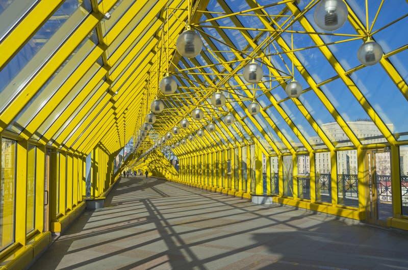 Внутри footbridge. стоковое изображение