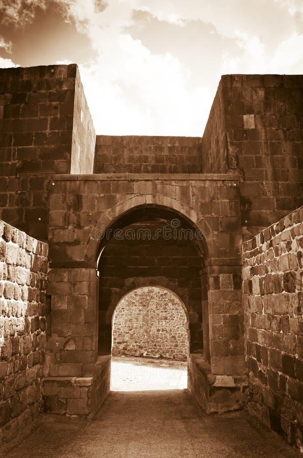 Внутрь каменного замка стоковое фото