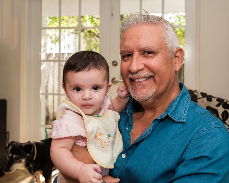 Внучка деда и младенца стоковая фотография rf