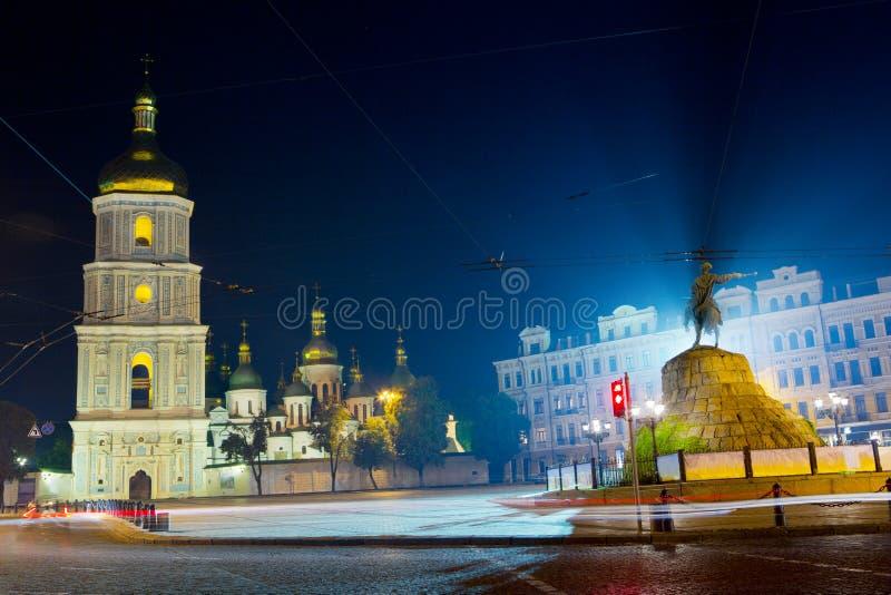 Внушительное kyiv ночи стоковые изображения rf