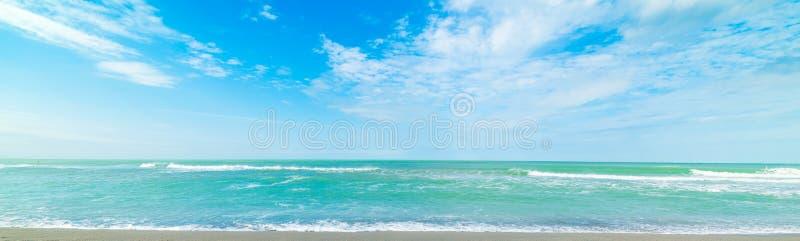 Вода бирюзы и голубое море в пляже ключа Siesta стоковое фото