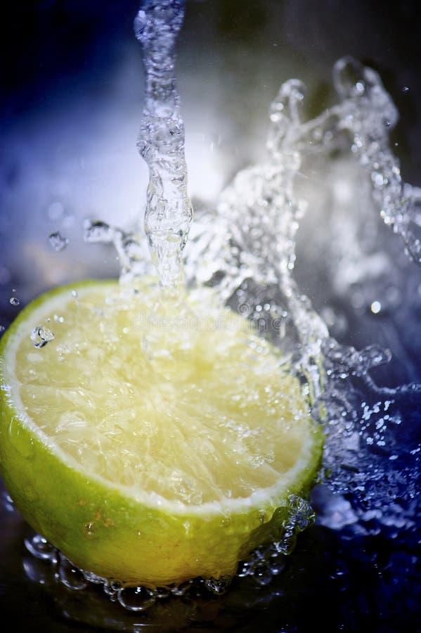вода брызнутая плодоовощ стоковое изображение rf