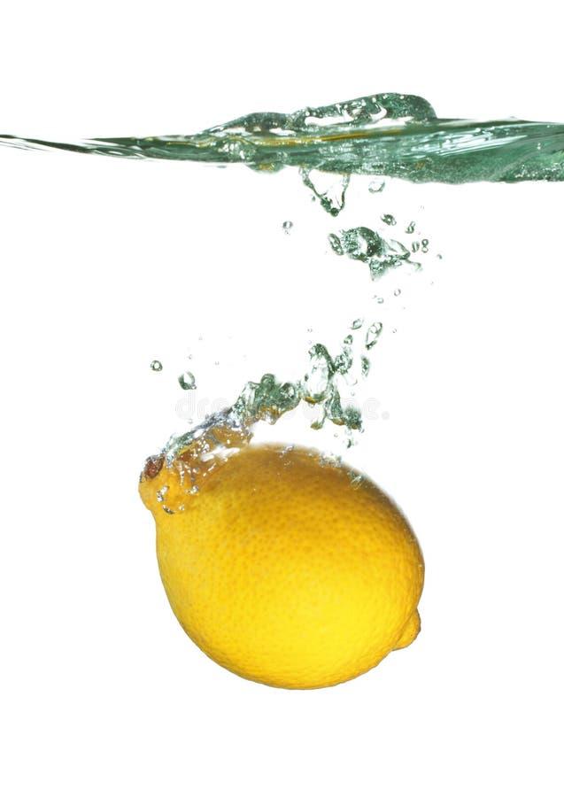 вода выплеска лимона стоковые фотографии rf
