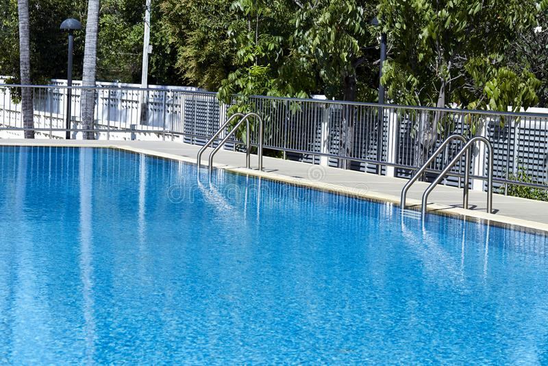 Вода в предпосылке бассейна стоковая фотография