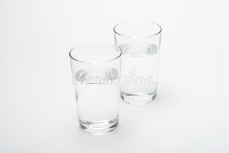 Вода в 2 стеклах стоковая фотография