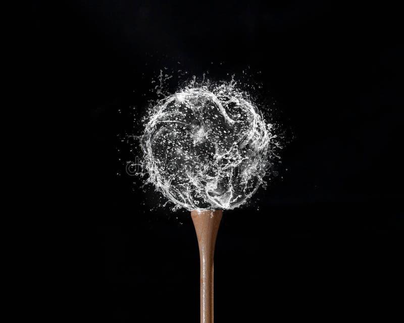 вода гольфа черноты шарика предпосылки стоковая фотография