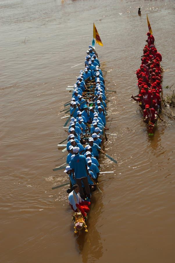 вода гонки шлюпки камбоджийская стоковые фото