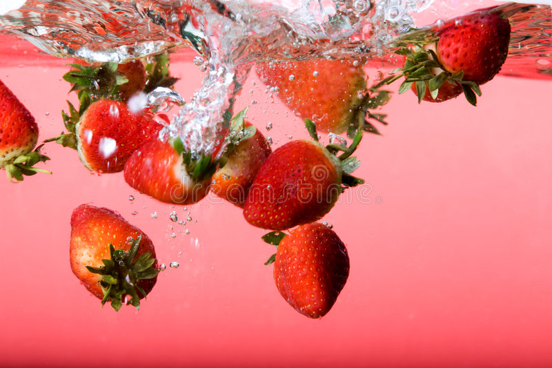 вода клубники предпосылки стоковое изображение rf