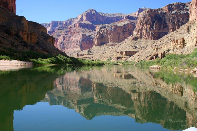 вода отражения каньона грандиозная стоковая фотография rf