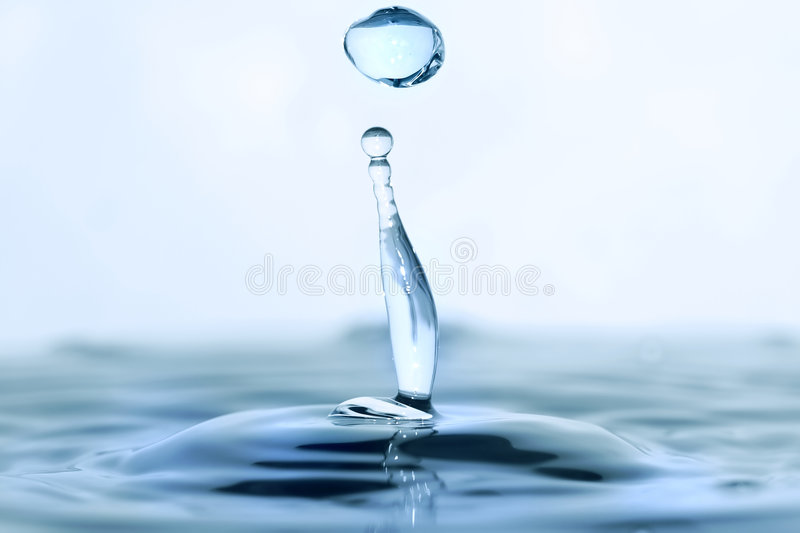 вода падения стоковое изображение rf