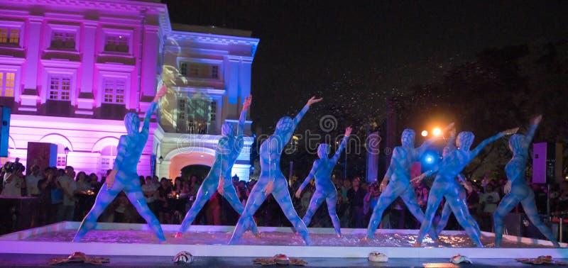 вода таблицы танцоров стоковые фото