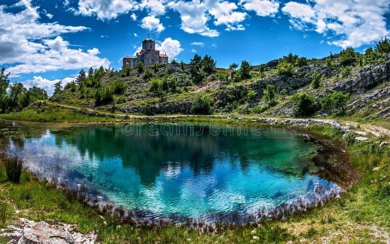 Водный источник цетины в Хорватии стоковые фото