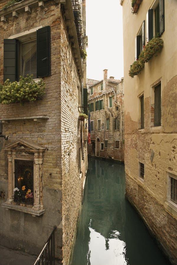 водный путь venice переулка задний стоковые фотографии rf