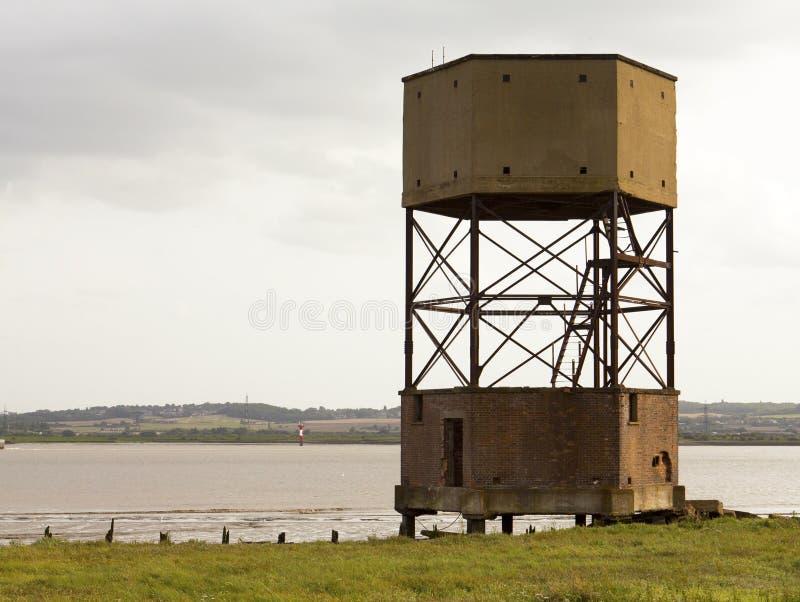 Водонапорная башня Темзы eastury Великобритании реки стоковые фотографии rf