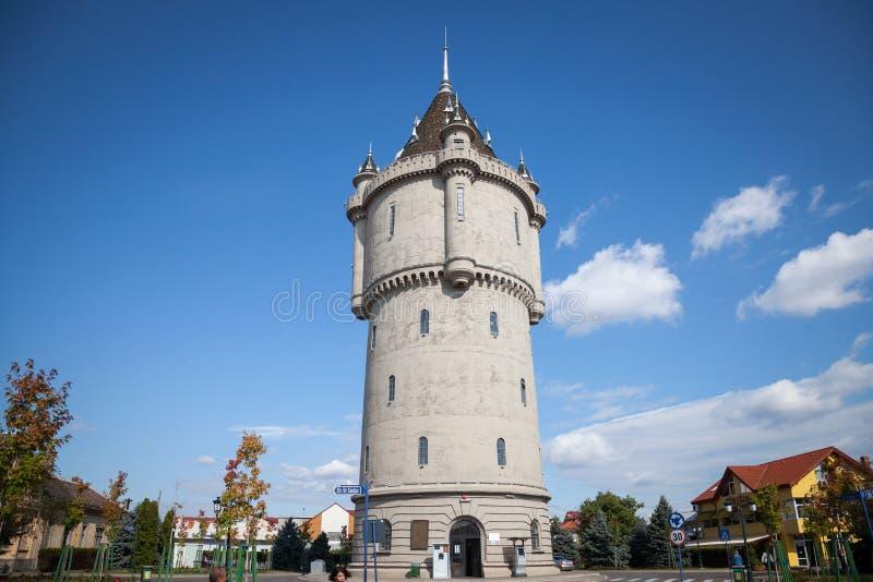 Водонапорная башня Castelul de Apa Turnu Severin, один из ориентир ориентира города, расположенного на Дунае около железных строб стоковое фото rf