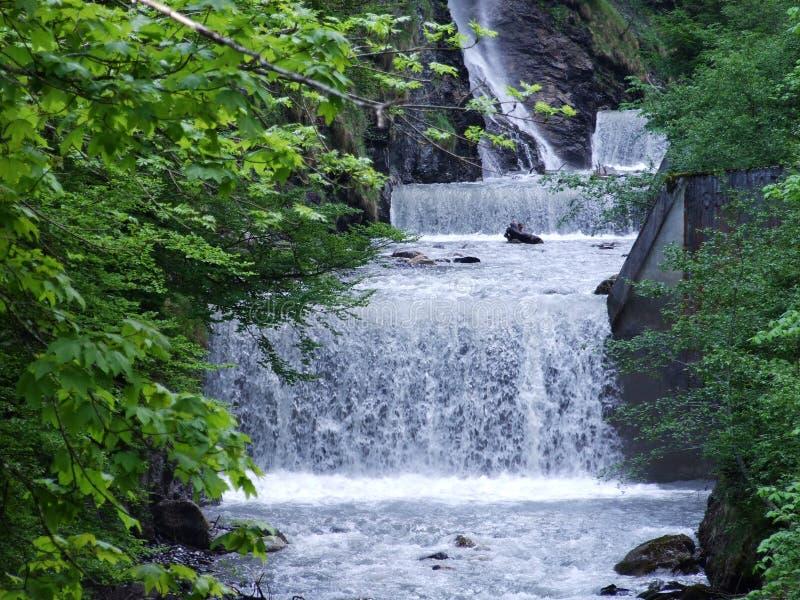 Водопады и каскады в долине Weisstannental стоковые изображения