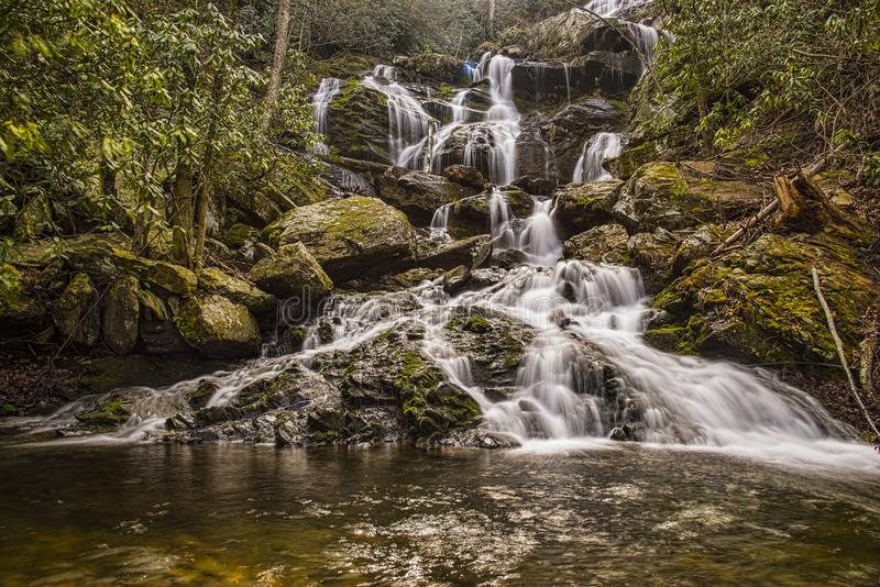 Водопад весной стоковые фотографии rf