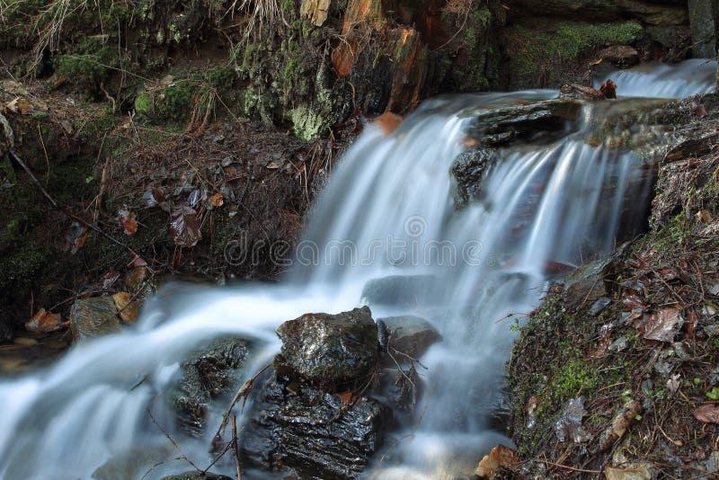Водопад в горах Орла стоковое изображение