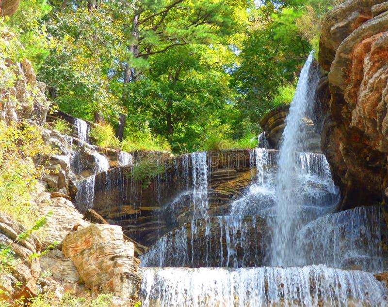 Водопад в горах Ozark стоковое фото