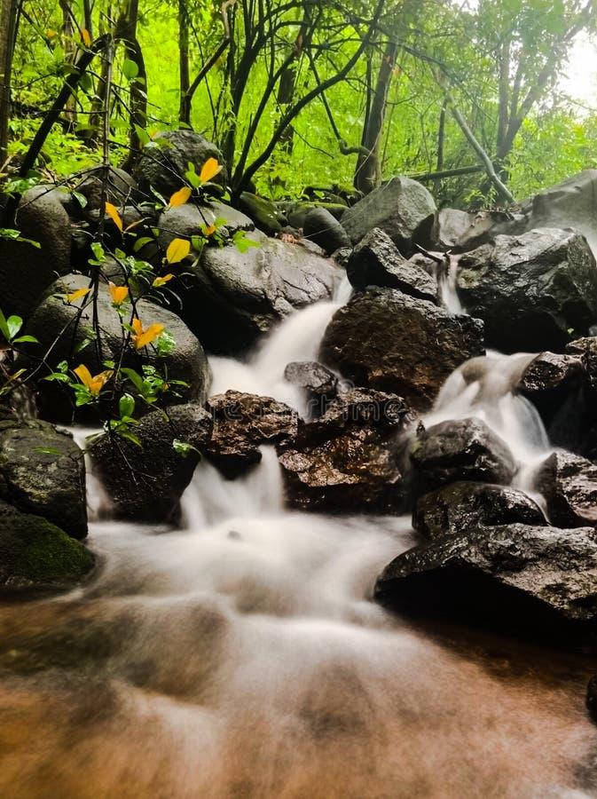Водопад долгой выдержки стоковое фото rf