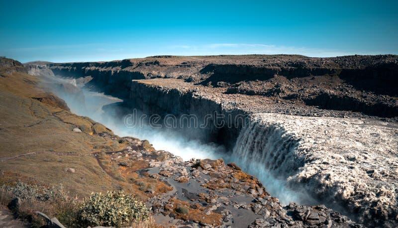 Водопад к северу от Исландии стоковые фотографии rf