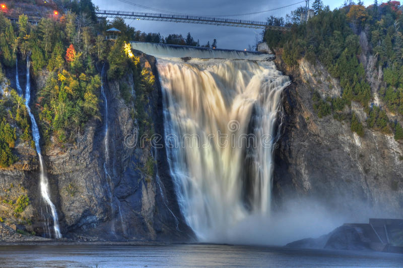 водопад мистика montmorency стоковые фотографии rf