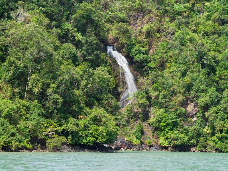 Водопад на архипелаге Mergui стоковое изображение rf