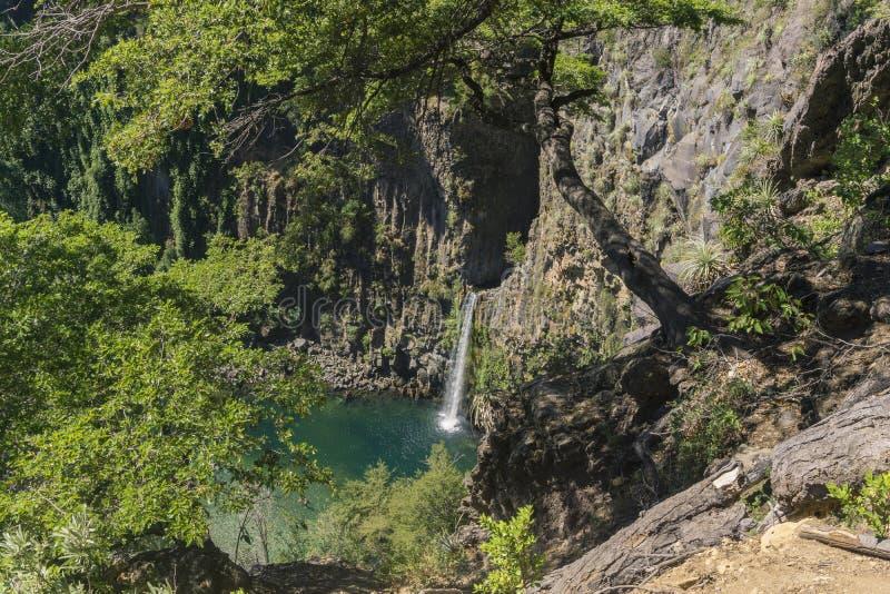 Водопад от высот стоковые фотографии rf