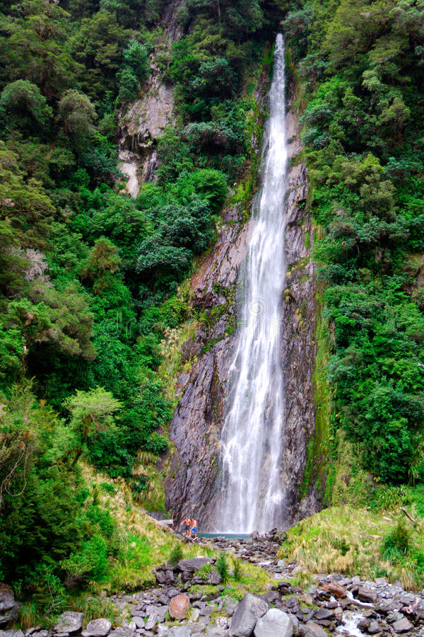 водопад пропуска haast стоковая фотография rf