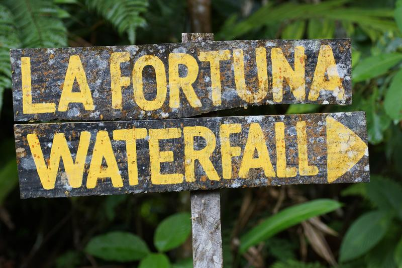 ВодопадФортуны Ла Â, вулканÂ Arenal Alajuela, San Carlos, Коста-Рика, Центральная Америка стоковые фото