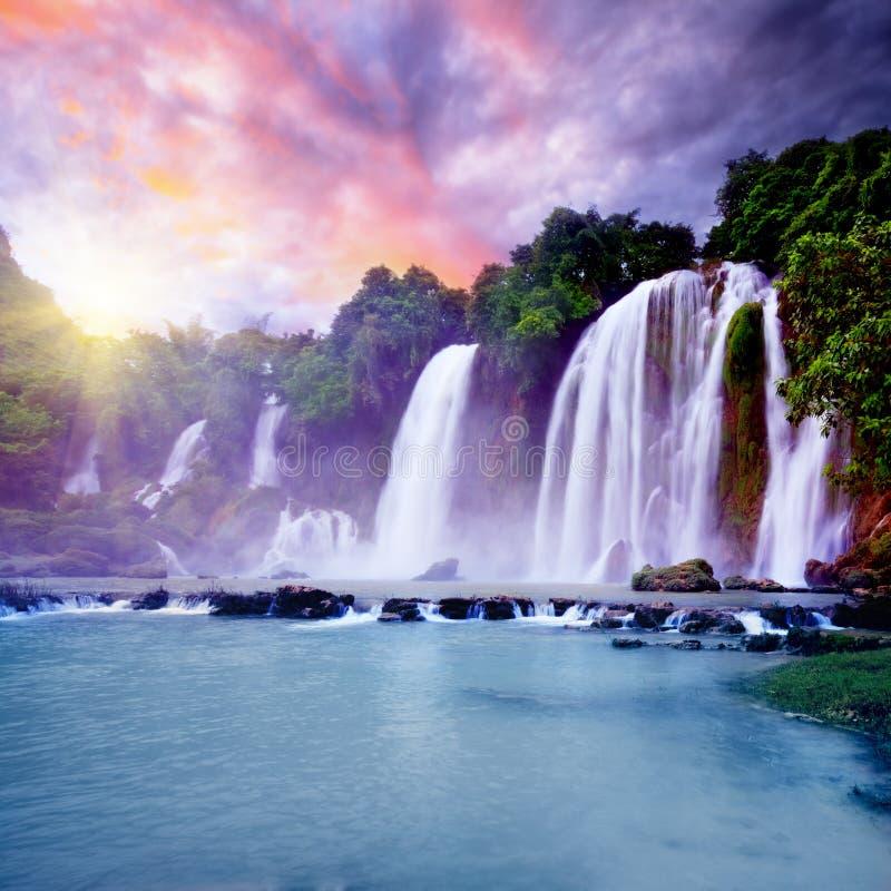 водопад banyue стоковые изображения
