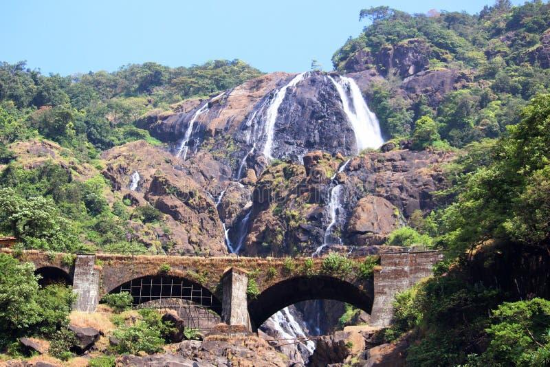 Водопад Dudhsagar, 4-расположенный ярусами водопад расположенный на реке Mandovi в индийском государстве Goa, Индии стоковые изображения rf