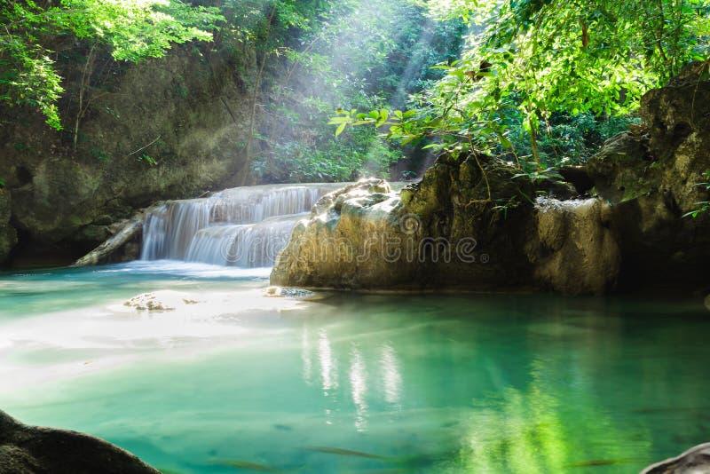 Водопад Erawan, национальный парк, Kanchanaburi, Таиланд стоковое изображение