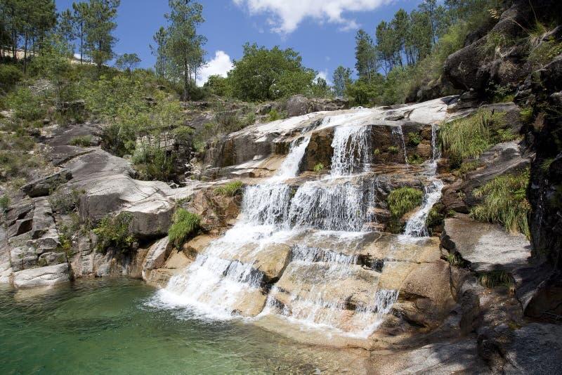 водопад geres стоковые изображения rf